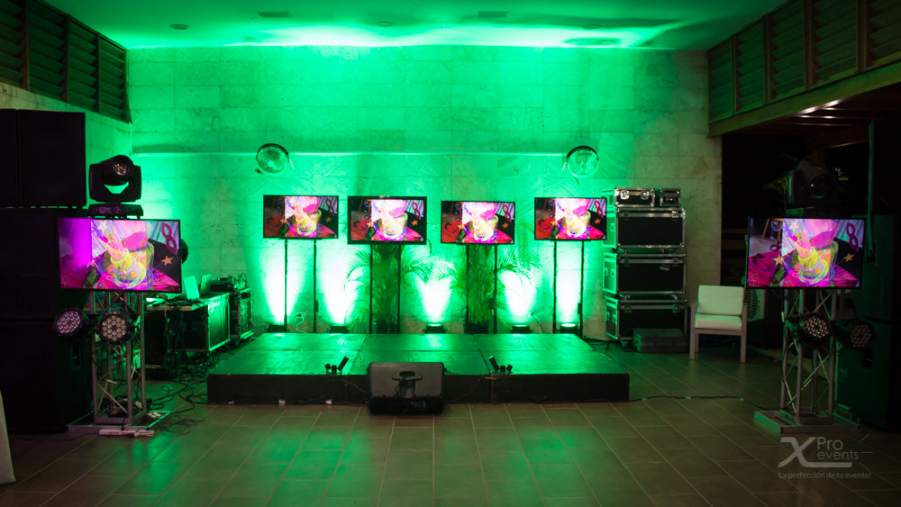 Televisores led - Audiovisual - Luces Led - Truss - Escenario - X Pro events