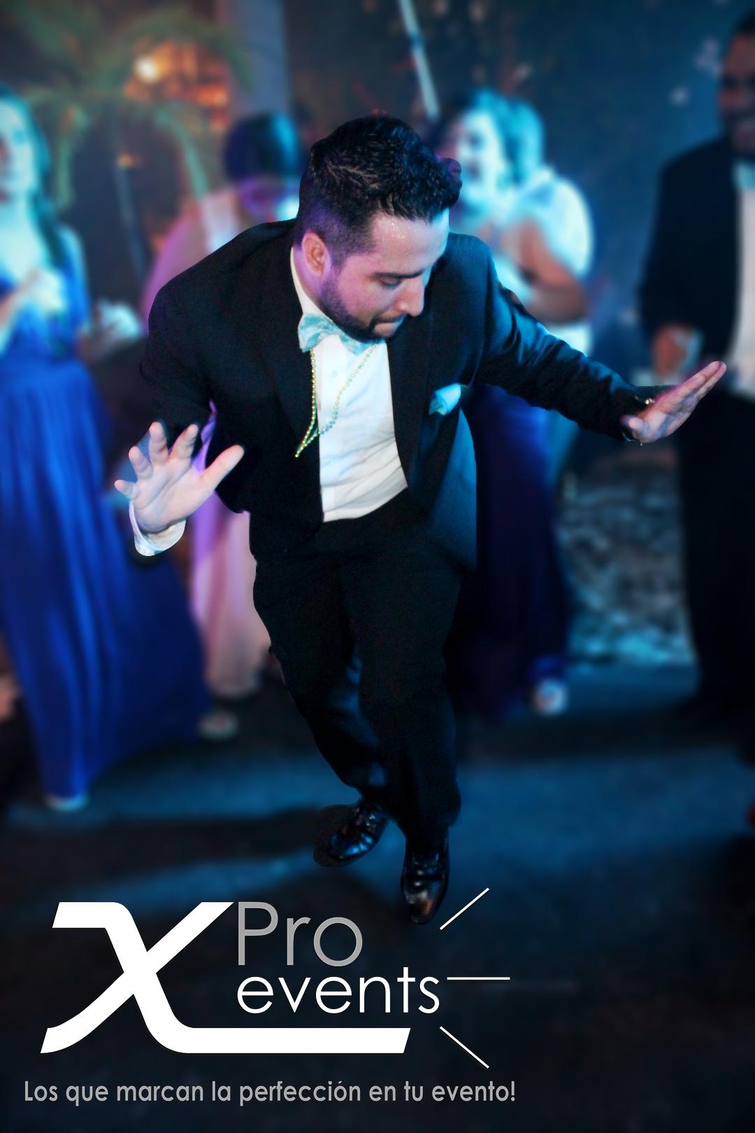 www.Xproevents.com - Bailando en la boda.png