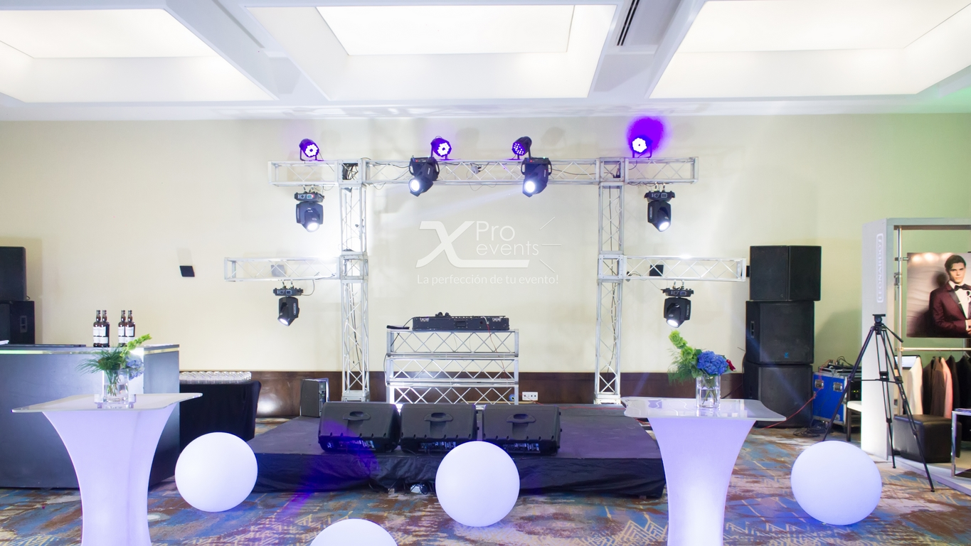 Escenario para area lounge by X Pro events (Redes)
