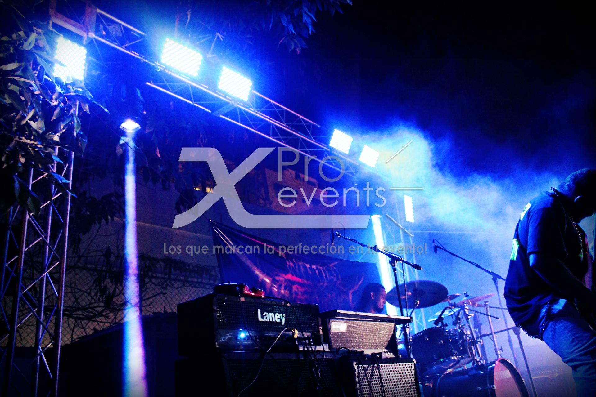 www.Xproevents.com - Impactantes montajes para shows en tarimas.JPG