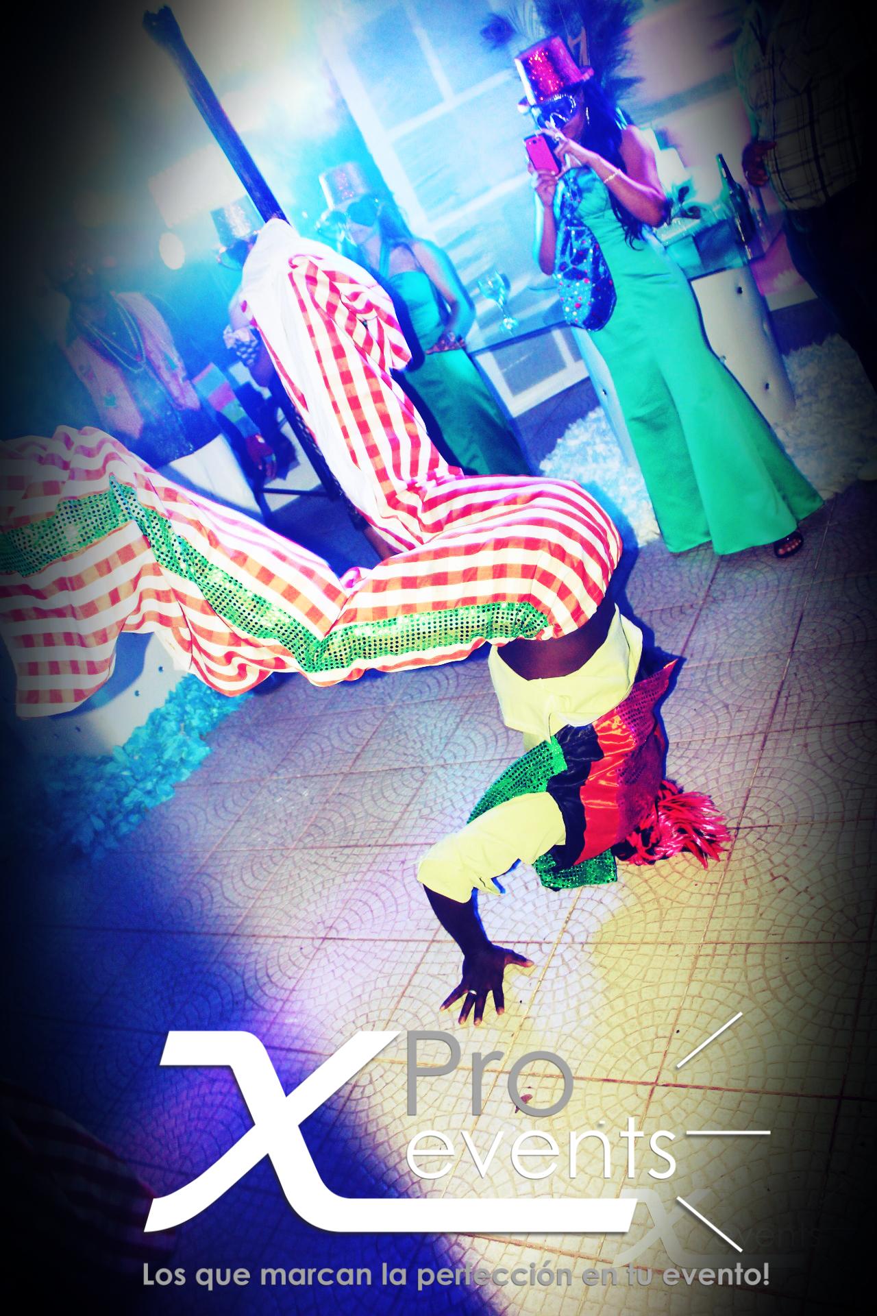 www.Xproevents.com - Los mejores zancos del pais.JPG