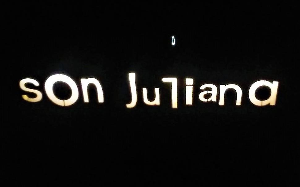 Bodega Son Juliana sign