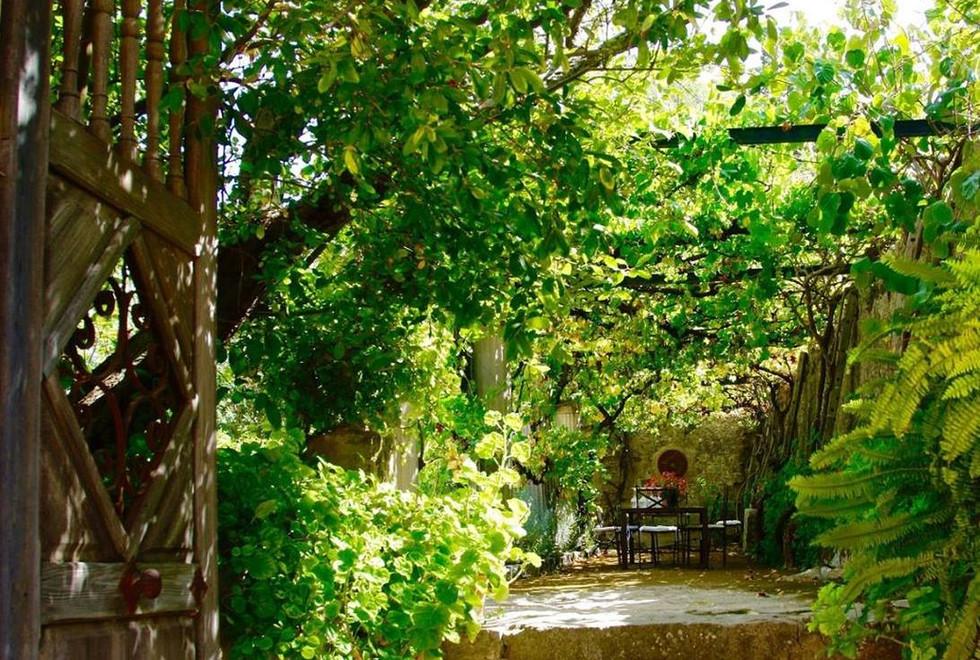 Son Puig entrance pergola