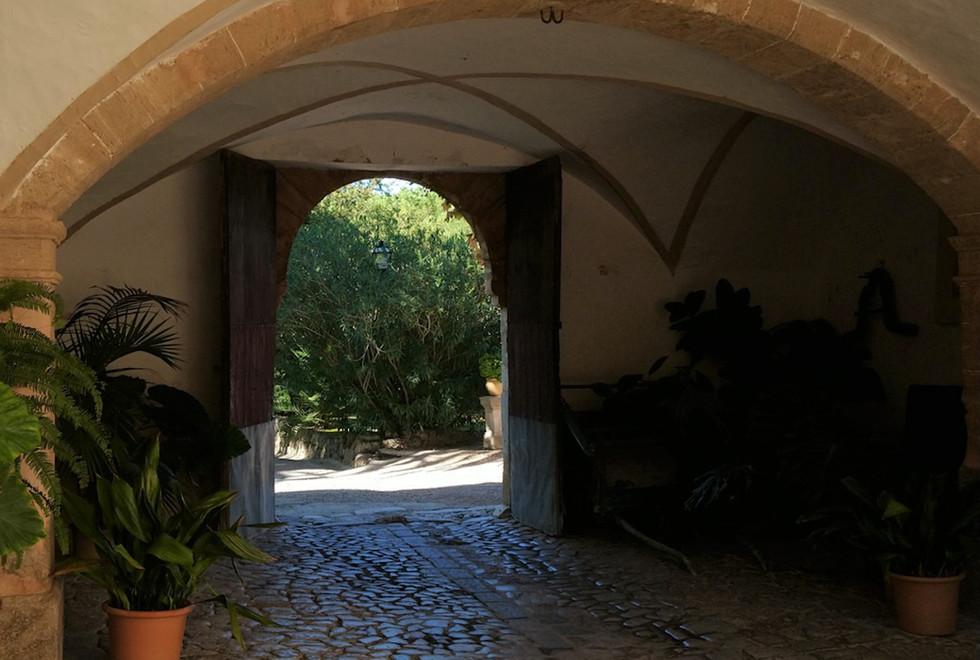 Son Puig courtyard entrance