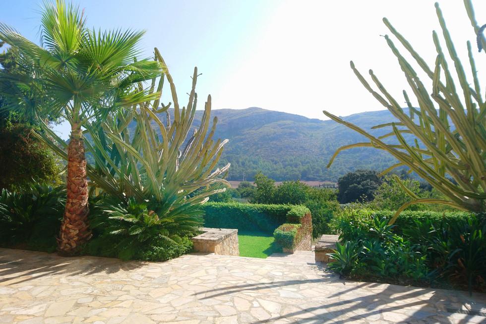 Son Simo Vell garden and view