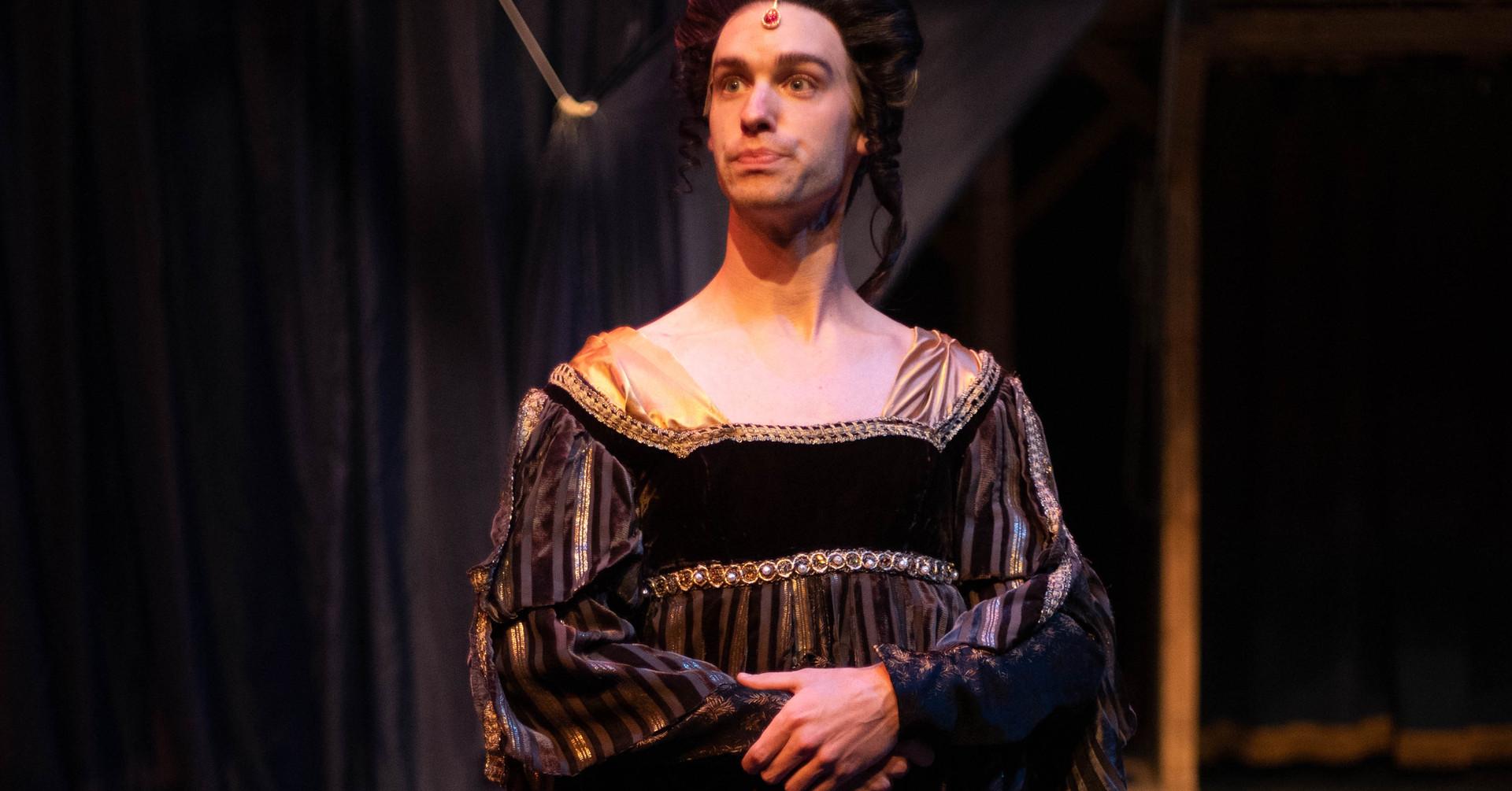 Robin/Lady Capulet - SHAKESPEARE IN LOVE