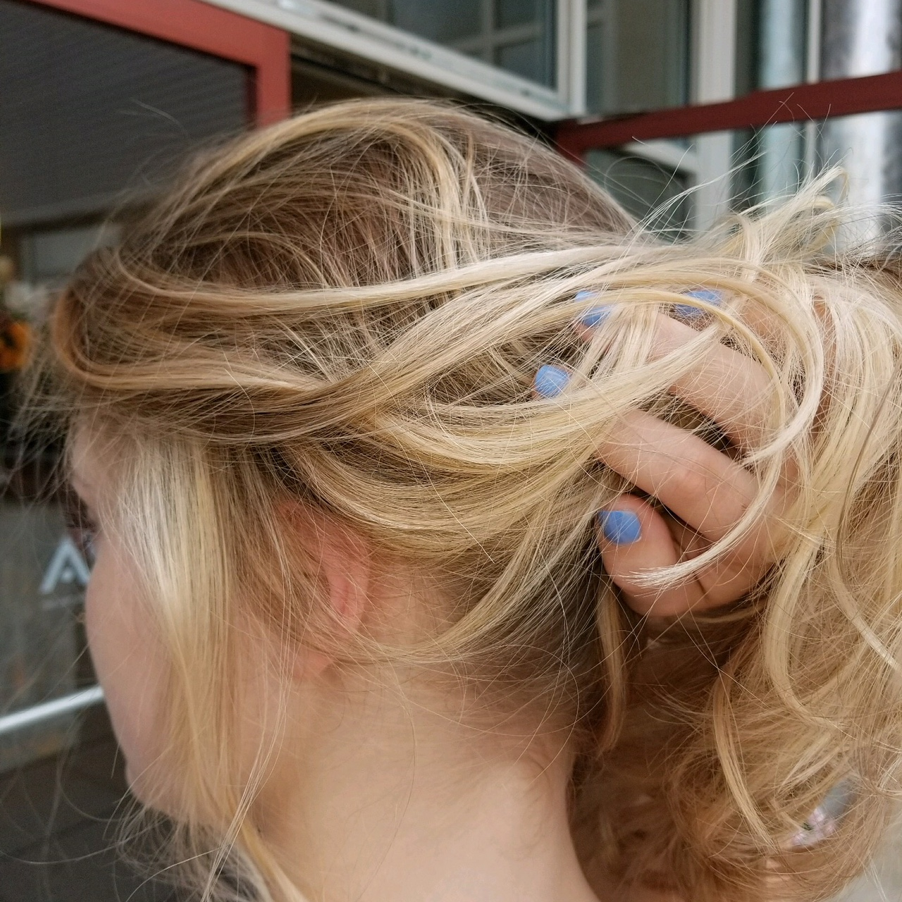 HAIR COLOUR STUDIO - STYLE 10560