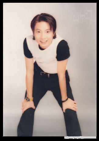 開學啦! 一起回憶1995年信和男神-黄和興  SIGN UP & GET ONE FREE 4R PHOTO!
