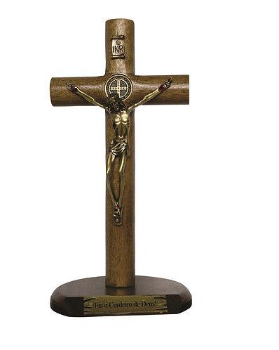 Crucifixo madeira 17 cm com base cilíndrica São Bento