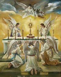 Como é a hierarquia dos anjos católicos?