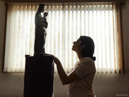 Por que a Igreja Católica cultua a imagem de santos?
