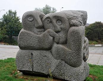 sculpture MK railway station.jpg