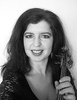 Louise Owen, violin