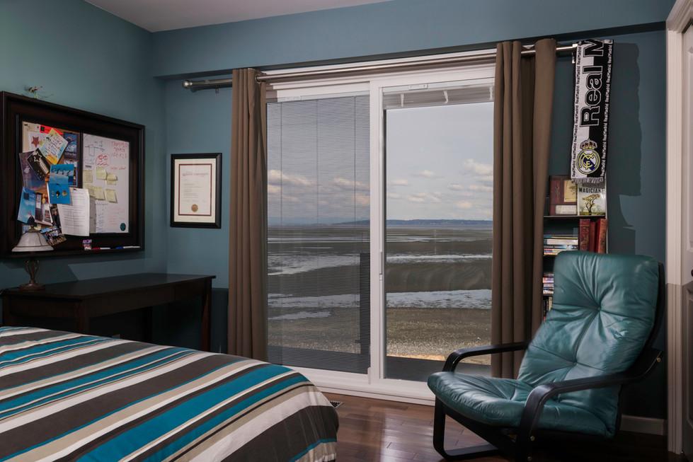 Ron & Julie Wizinsky House_Bedroom.jpg