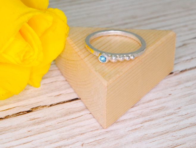 Graduated Silver Ball Gemstone Ring