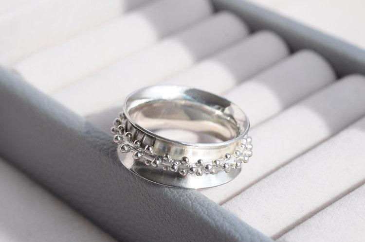Granulated Spinner Ring