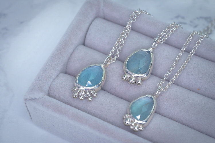 Aquamarine droplets necklace