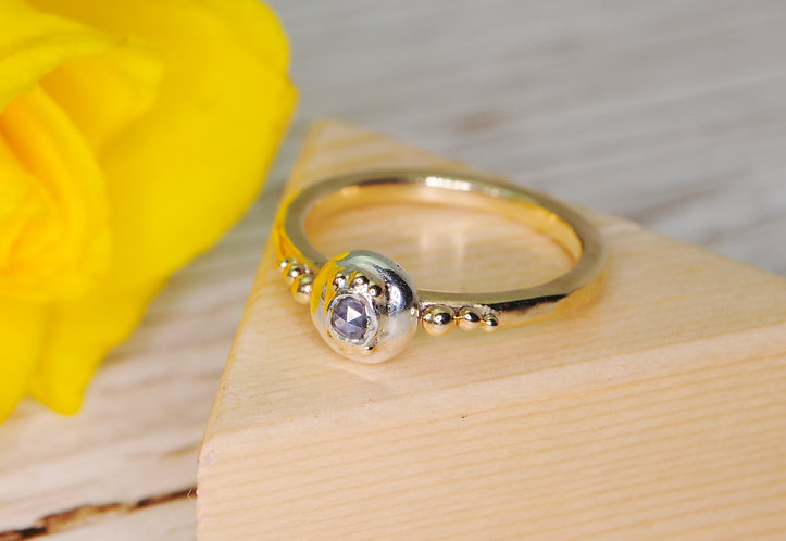 9ct Gold, Silver & Rose Cut Sapphire Ring