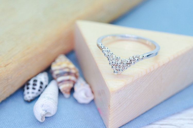 Crest of a Wave Wishbone Ring