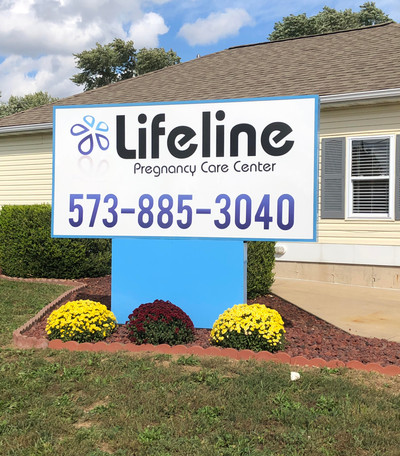 Lifeline Lit Sign.jpg