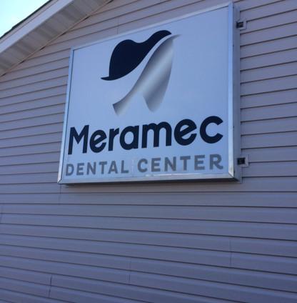 Meramec Dental Center LED Sign