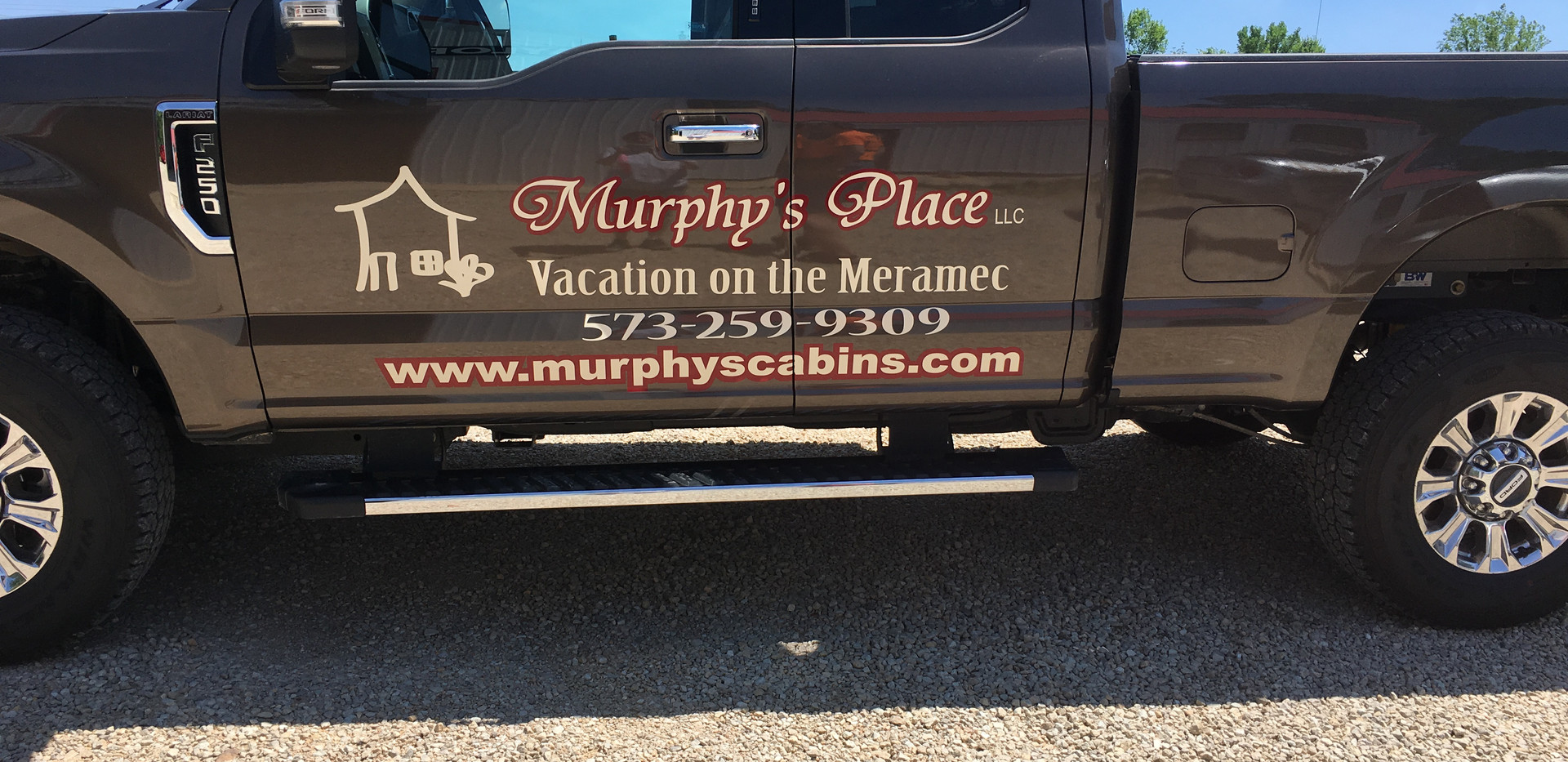 Murphy's Place Graphics