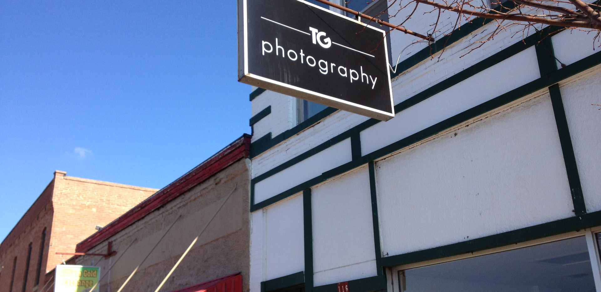 TG PHOTOGRAPHY SIGN