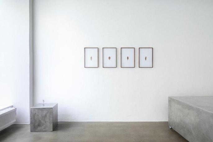 """Jing Song, Ausstellungsansicht """"ALL THE WO/MEN I AM"""", Bildraum 07, Wien 2019. © Eva Kelety"""