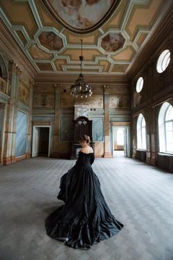 5. Черное пышное платье ( комплект)