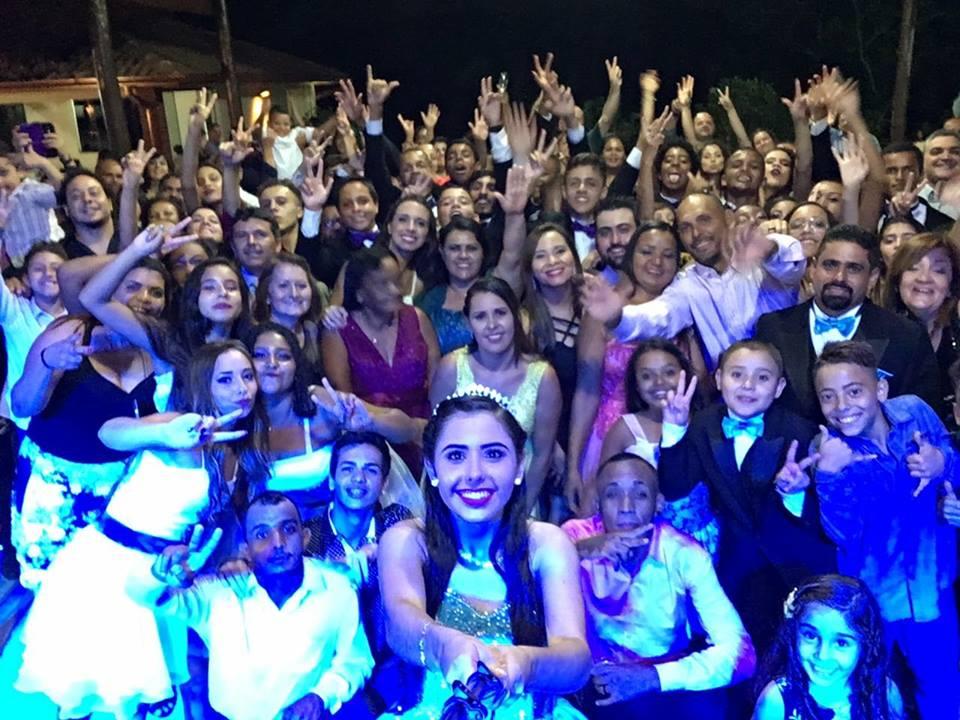 foto com debutante - dj para evento sao paulo - sitio para festa barato sao paulo