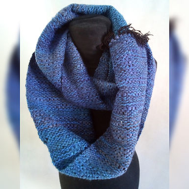 Bufanda infinita azul - Loom y Circular