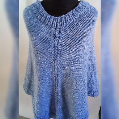 Poncho azulino - Loom y Circular