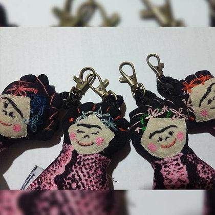 Muñecos Pequeños llaveros - Chapanay - muñecos con historia