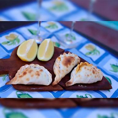 Empanadas tucumanas de carne - La Gauchada Empanadas Tucumanas