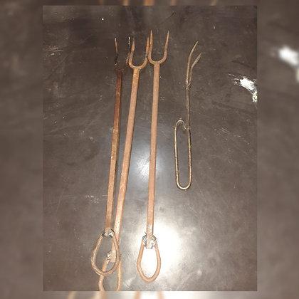 Tenedores para el asado c/u - Metalúrgica Salcedo