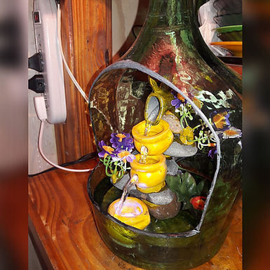 Cascadas de agua dentro de una damajuana  - Artesanías en Botellas San Juan