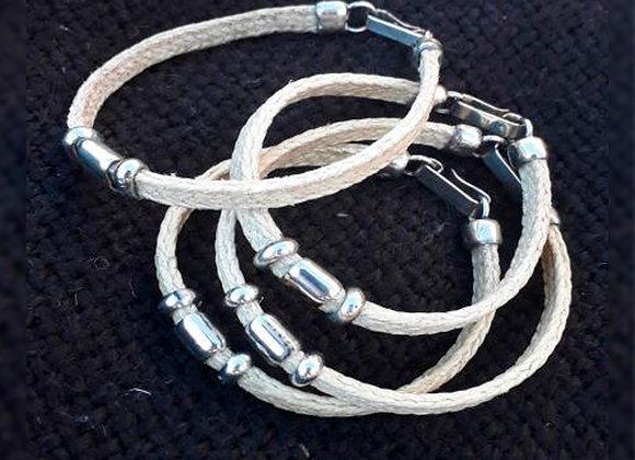 Pulseritas trenzadas con apliques de alpaca - Guasquería Tradicional Cuyana