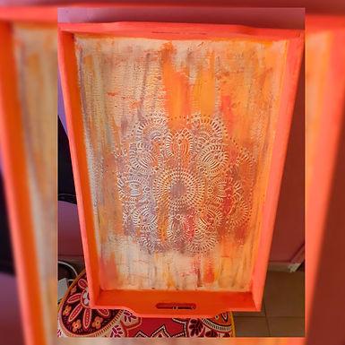 Bandeja trabajada en relieve - Maly Regalaría artesanal