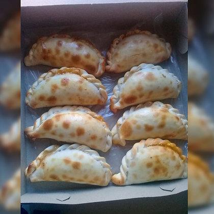 Empanadas tucumanas de pollo - La Gauchada Empanadas Tucumanas