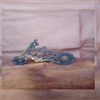 Moto hecha con material reciclado 2 - El Curita Gaucho Taller de Artesa