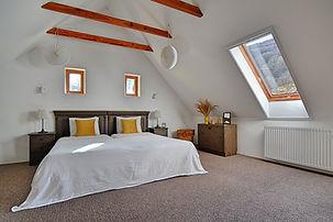 11. A legnagyobb tetőtéri szoba felűjíto
