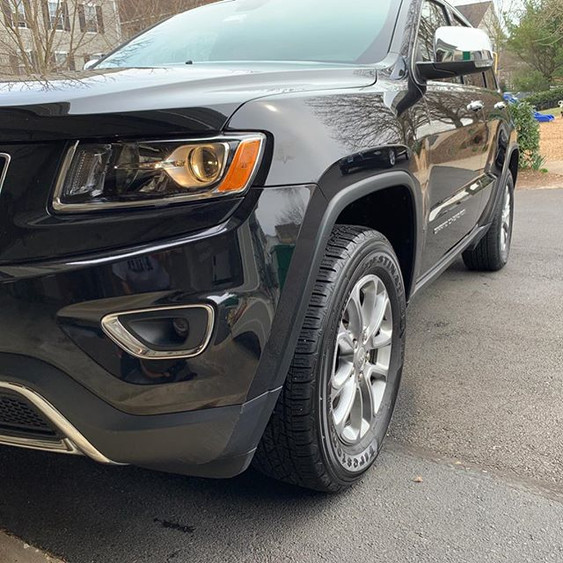 Jeep Grand Cherokee was hit with Clay ba