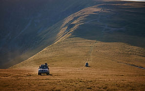 offroad rijden door de verlaten Karpaten