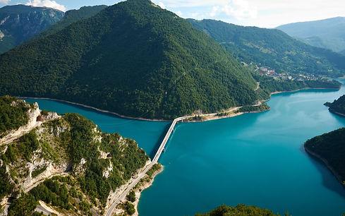 Brug over Tara rivier in Montenegro.jpg