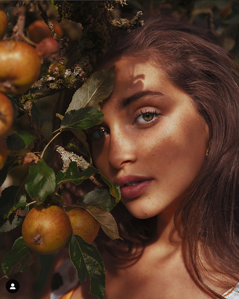 MODEL WITH FRUIT TREE.PNG