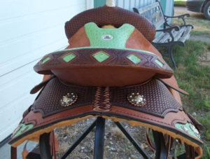 10DK100512 barrel saddle back shot