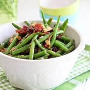 Steamed String Beans with Sautéed Leeks, Olives & Sun-Dried Tomatoes