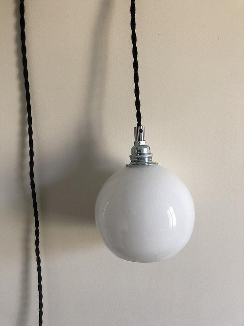 Baladeuse électrifiée avec globe ancien #1