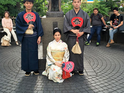 Thailand family at hatiho statue