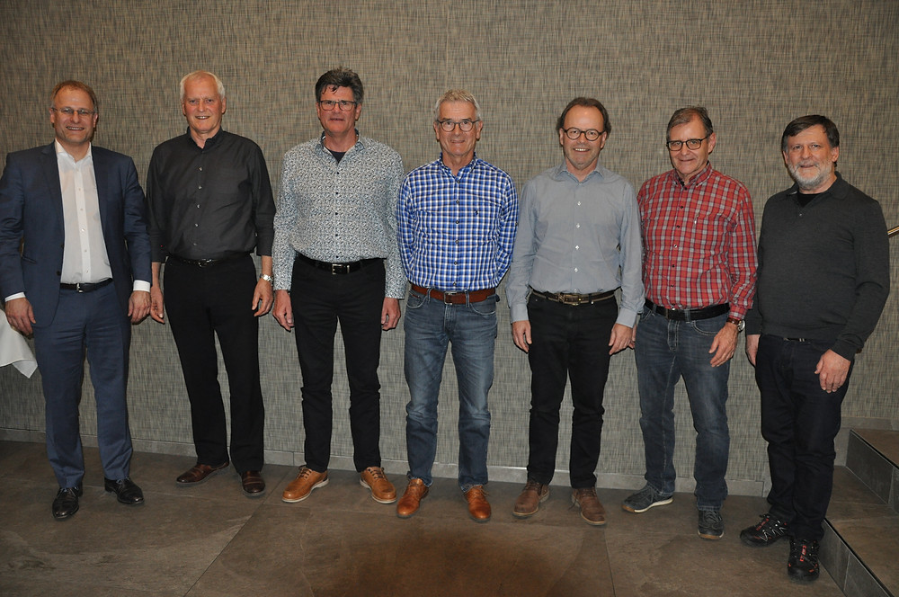 Ehrung der Veteranen. Von Links nach Rechts: Eduard Neuhaus (Präsident) Veteranen: Walter Amsler, Josef Koller, Hansueli Litscher, Sven Märk, Ruedi Burkart, Hansjörg Pfranger
